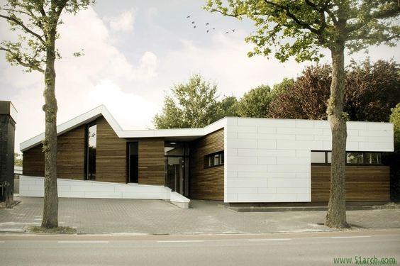 zone zuid architecten designed the 'Osteopathie praktijk Roosendaal' in Netherlands. http://en.51arch.com/2014/09/a3113-osteopathie-praktijk-roosendaal/