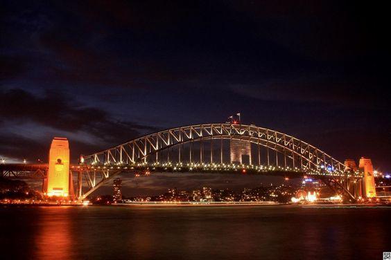 Sydney Harbor Bridge - null