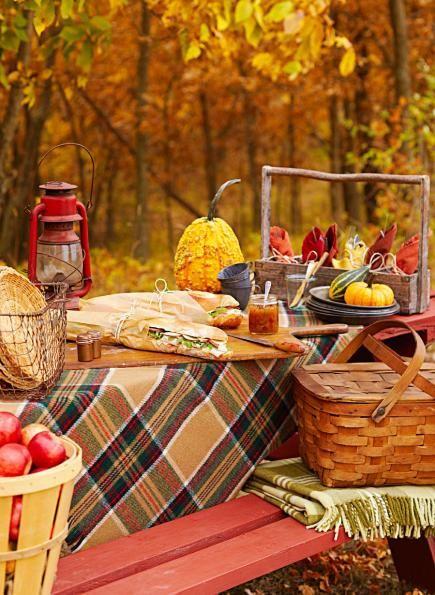 Whether tailgating or leaf-peeping, pack the perfect picnic using our suggestions for this old-fashioned outing.