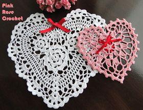 \ PINK ROSE CROCHET /: Centrinhos Coração Branco Vermelho e Rosa