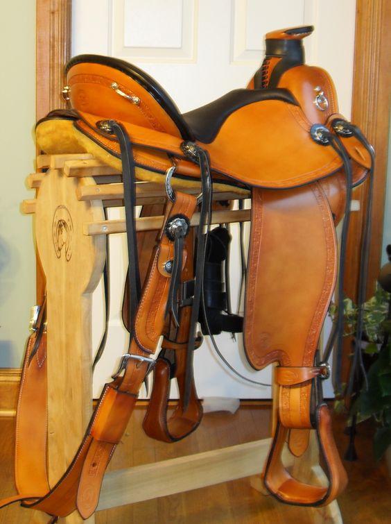 My beautiful saddle!  Cascade Wade #trailsaddle #wadesaddle #customsaddle