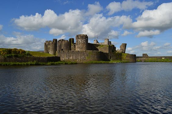 Fat Frocks: Explore Wales Pt 1- Caerphilly Castle & Castell Coch