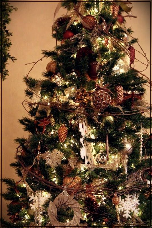 Christmas Tree Decorating Ideas 2020 Home Design Suggestions | Christmas tree decorations, Christmas
