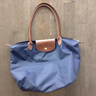 Picked up a #thrifted #longchamp #pliage to replace the one that was stolen. $80! #shopping #shopaholic