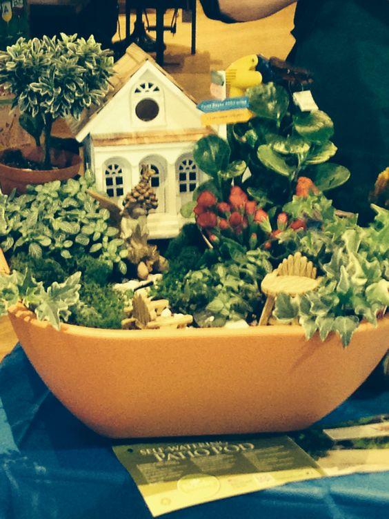 Miniature indoor gardens fairy gardens for Indoor mini garden ideas