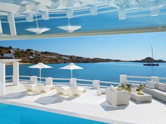 Das kürlich renovierte 5-Sterne Petasos Beach Resort & Spa in Mykonos liegt auf einer privaten Halbinsel zwischen den bekannten Stränden...