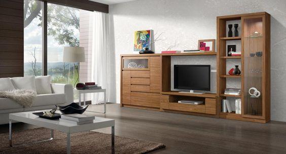 Ambiente 3965 – Composición de muebles de salón formada por un mueble bajo para la televisión, un mueble contenedor, una vitrina y una estantería diáfana, dando como resultado una composición de muebles compacta de 360 cm. de anchura.  El mueble bajo para la televisión está formado por dos módulos de una puerta cada uno y un módulo de un cajón y un hueco para el reproductor de dvd, mientras que el mueble aparador alto presenta puertas, cajones y vitrina.