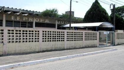Canadauence TV: Taubaté SP, após invadir escola armado, adolescent...
