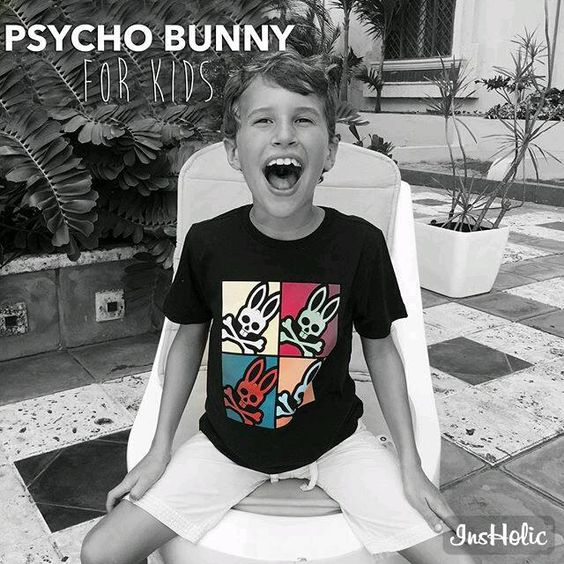 This one would no doubt make Andy proud. Made of 100% Pima cotton, our crew neck tee features a Warhol-inspired Psycho Bunny printed graphic for your boy's 15 minutes of fame.