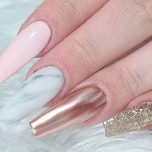 35 Gorgeous Rose Gold Nails Perfect For Any Event 2020 Guide Gold Acrylic Nails Rose Gold Nails Acrylic Rose Quartz Nails