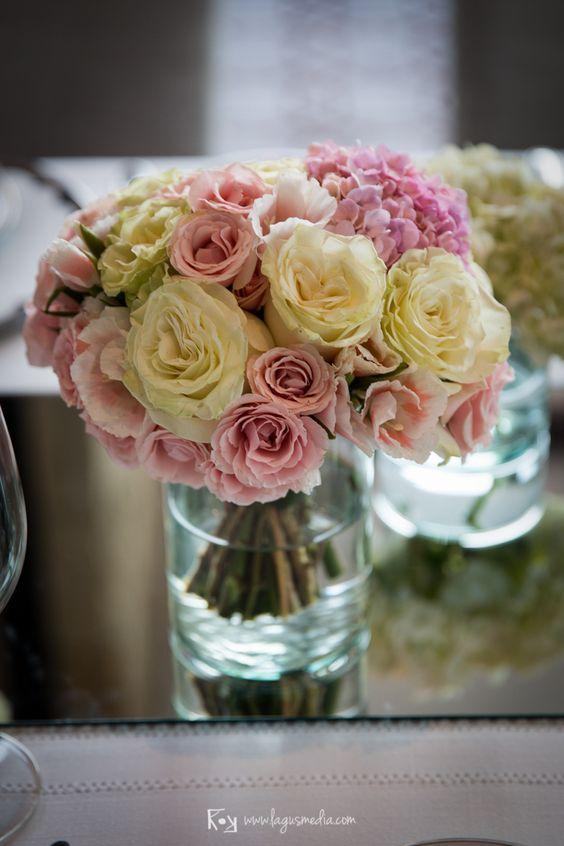 Centros de mesa de flores y cristal para boda en el - Mesas de cristal para bodas ...