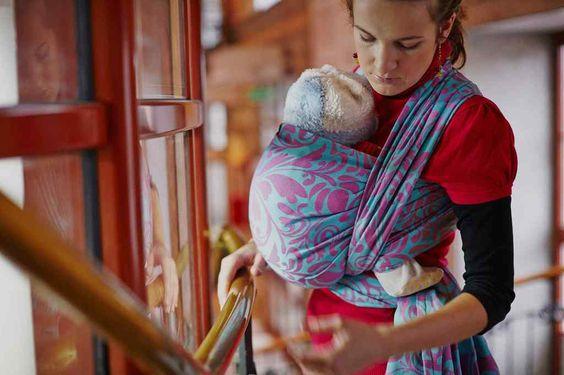 Los fulares Lenny Lamb jacquard edición limitada, están realizados en jacquard de algodón 100% calidad Oeko Tex; teñido con tintes libres de metales pesados, seguros para los bebés y niños. Con preciosos estampados y un acabado perfecto, la fabricación es 100% europea. Se recomienda su uso desde recién nacido y hasta 3-4 años de edad, soporta hasta 30 kilos !. La extraordinaria calidad del tejido provoca una adaptación perfecta al cuerpo del bebé y portador. Incluye manual de instrucciones…