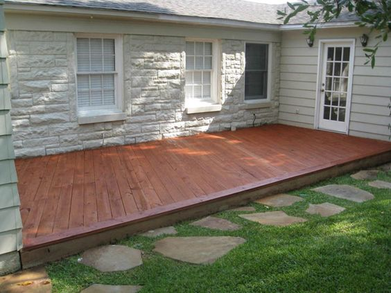 Really like the low deck flower beds and backyard ideas for Low deck designs