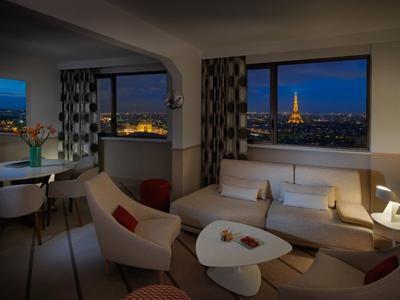 TravelPriceHunters - Hyatt Regency Paris Etoile