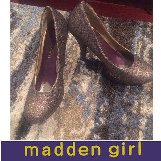 Madden Girl Platform Glitter Heels Madden Girl Platform Glitter Heels. Have just a few places where glitter is coming off but overall great condition. Worn just a couple times to events. Platform is 1 in. Heel is 5 inches. Feel free to make an offer. Madden Girl Shoes Heels