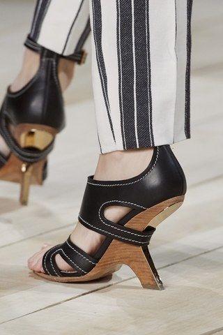 Alexander McQueen Primavera Verano 2020 Pret-A-Porter - Pasarelas | Vogue España