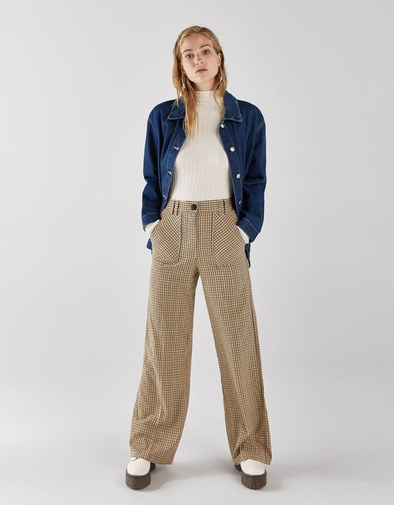 Wide-leg pants with darts