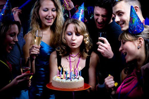 6 fun games guaranteed to have guests rolling at your for Party entertainment ideas for adults