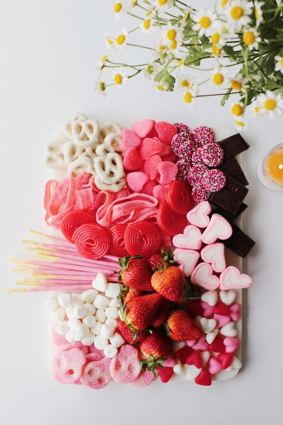 "The Sweetest Dessert Display Idea for Valentine's Day or a Baby Shower 😍💕 (candy board / candy ""charcuterie"" board! Perfect for Galentine's dessert)"