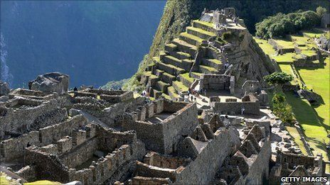 Peru's President Ollanta Humala has unveiled plans for a new airport near Cusco which he says will boost tourism to the Inca ruins of Machu Picchu and the surrounding region.