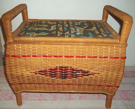 kleine Wäschetruhe-Wäschekorb-Nähkorb-Handarbeit-Holz Geflecht  um 1940