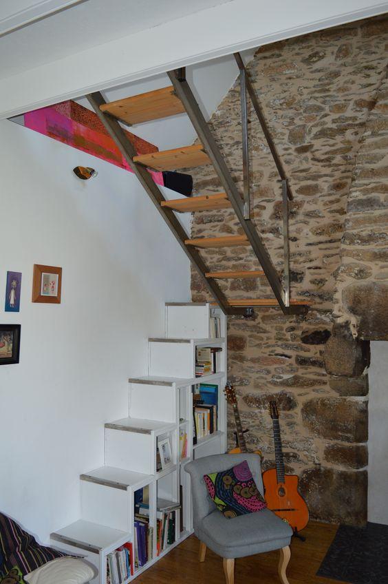 escalier biblioth que 2 quarts tournant 1 re partie avec biblioth que incorpor e en bois et nez. Black Bedroom Furniture Sets. Home Design Ideas