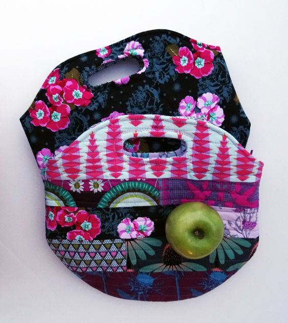 Insulated Lunch Sack   Sew Mama Sew   Outstanding sewing, quilting, and needlework tutorials since 2005.