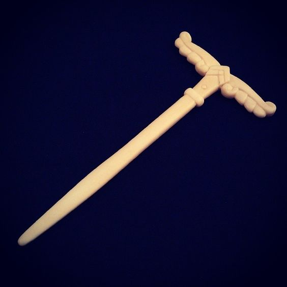 #Irminsul #hair pin, about 15 cm's long. Hand carved from bone, and made in three pieces, fused by 2 bone taps (3 and 2,5 mm's wide).  This specific one is mostly a prototype, but there will be more ones like it.  #wotan klan #norse #viking #bonecarving #OGstyle