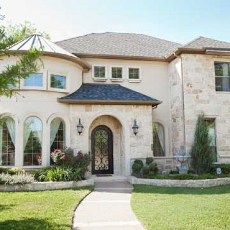 interior design dallas tx - Dallas homes. Very pretty. Love the stone ⭐ MY BLOG: www.ditatime ...