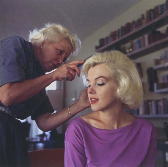 1962 / by George BARRIS... Marilyn with hairdresser Agnes FLANAGAN