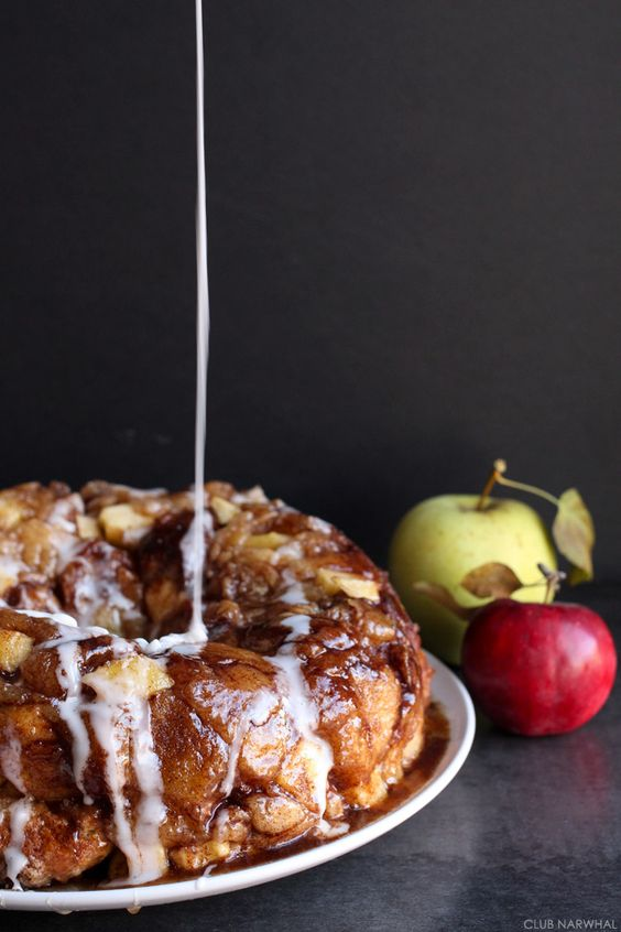 F my diet. F it so much. Apple fritter monkey bread!! From Club Narwhal