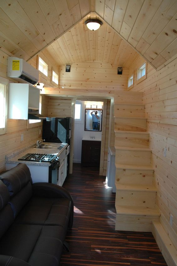 A 280 square feet tiny house mounted to a 26′ trailer in Nampa, Idaho. Built by Tiny Idahomes.: