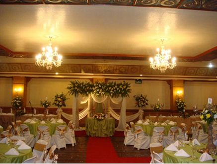 A Beautiful Wedding Set Up By Blue Petals Catering To Know More About Them Visit Their Profile Here Kasal Philippine Wed