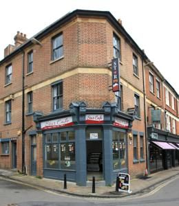 $144 Star Bed and Breakfast provides comfortable accommodation right in the heart of Oxford city centre.
