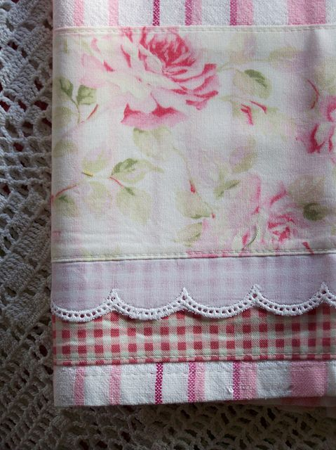Shabby chic shabby and towels on pinterest for Kitchen quilting ideas