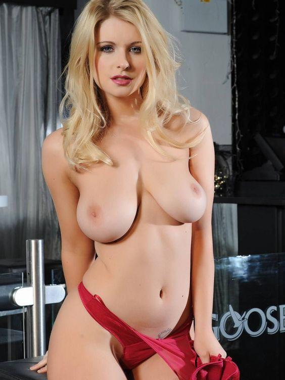Jessica: topless estelar - El Balón Rosa - SPORT