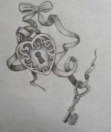 Disegno per tatuaggio lucchetto a forma di cuore con chiave