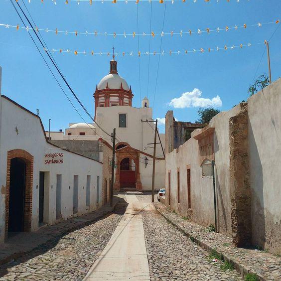 Mineral de Pozos, Pueblo Mágico - Mineral de Pozos, Pueblo Mágico ubicado en el Estado de Guanajuato, la presencia europea en la zona se hizo presente en el año de 1576. t #mineraldepozos #guanajuato #mexico
