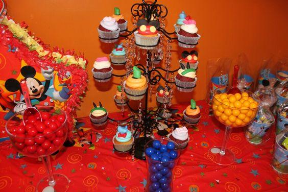 Cupcake Tower! #MickeyMouse #Cupcakes #MickeyMouseClubHouse #CustomCupCakes