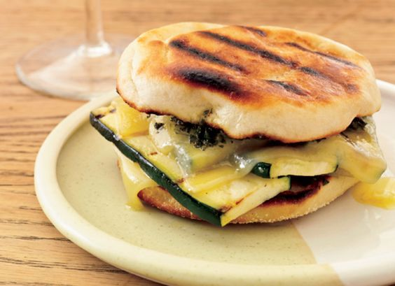 Day 3: Grilled Gruyere-and-Zucchini Sandwiches With Smoky Pesto