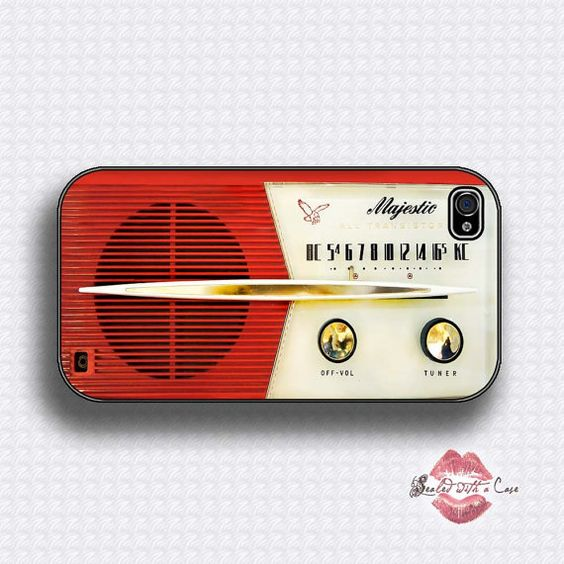 LOVE this vintage radio phone case