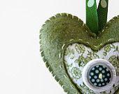 Corazón de fieltro verde