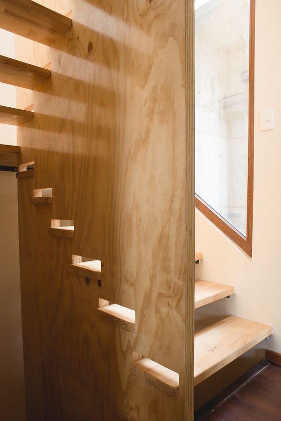 escalera de madera giro u fabricada e instalada por escalmetro ltda