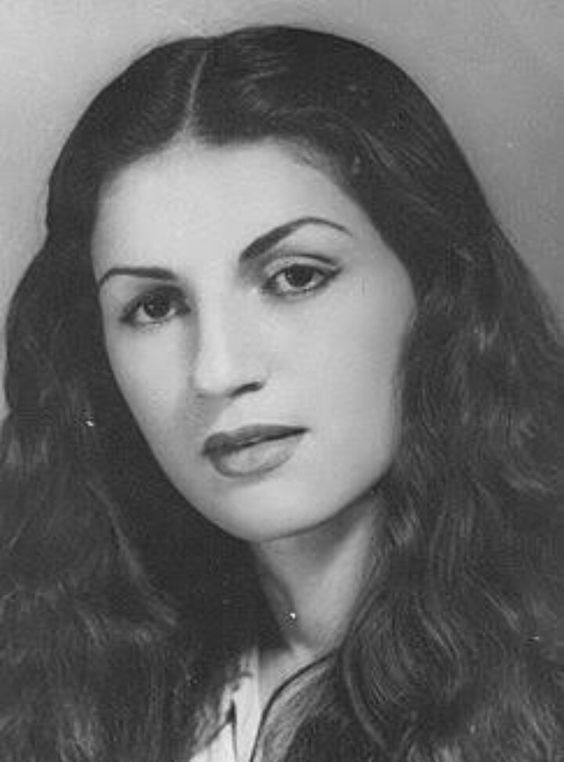 نجوى سالم واسمها الحقيقى نظيره موسى شحاته ولدت بمصر لام اسبانيه يهوديه واب لبنانى Nagwa Salim: