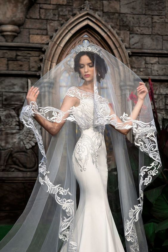 If You Want To Custom The Wedding Veils Length Or Color Please Let Us Know It Here Destinydress Outlook Wedding Veils Lace Bridal Dresses Bridal Gowns Mermaid