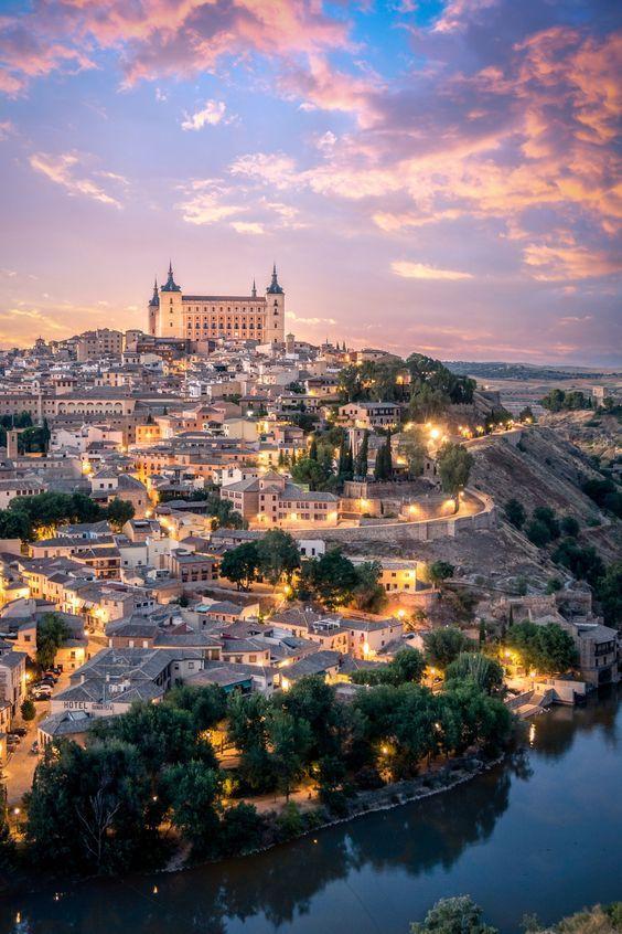 Quer aprender Español? Clique na imagem para mais informações 🎨 _______________________________ LUGARES | ESPANHA|Barcelona espanha|Petiscos boteco|Granada espanha|Viagens barcelona|Dicas de viagem|Santiago de compostela|Espanha madri|Caminho de santiago de compostela|Sevilla espanha| Viagem|Espanha|Lugares Espanha| Aprender Espanhol| Aprender Espanhol sozinho| Aprender espanhol em casa #espanha #aprenderespanhol #linguas #aprenderonline #espanhol #lugares #pais #urdiales #viagem #dicas