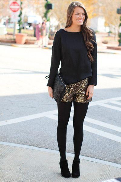 Goldfarbene Shorts, Silvester and Silvester on Pinterest