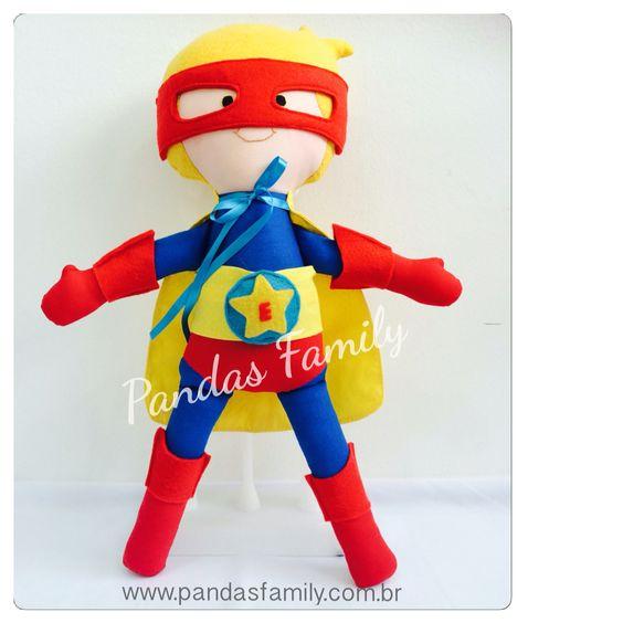 Super Herói em tecido.