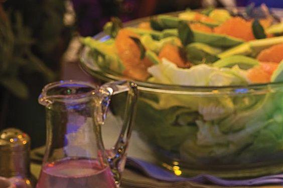 Ensalada de palta, pomelo y lechuga