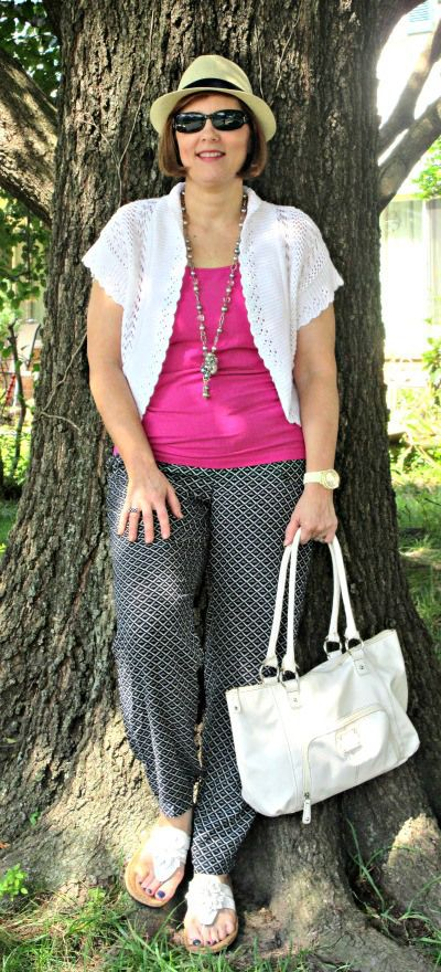 Patterened Pants and Bright top,with white acesssories for Summer: :  over 40 fashion blogger: